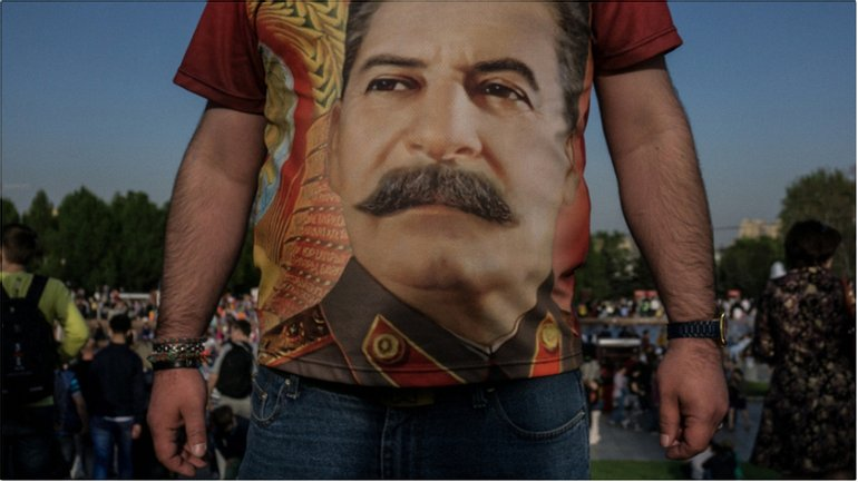 Ветераном кремлевские кукловоды прикрывают провокаторов с портретами Сталина - фото 1