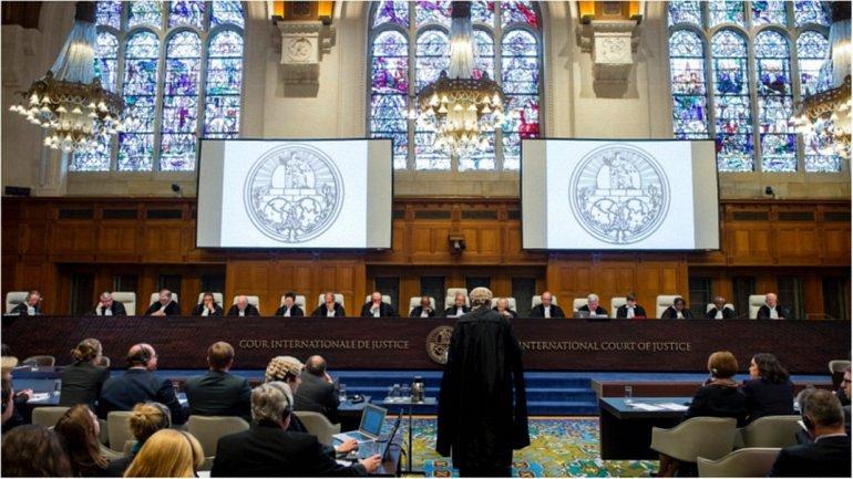 Суд выносил первое решение по иску Украины - фото 1