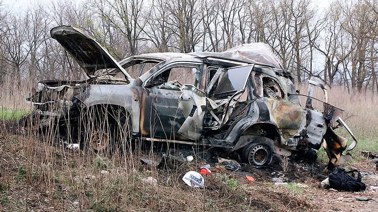 Автомобиль подорвался на фугасе 23 апреля - фото 1