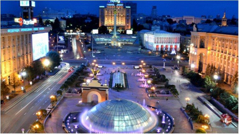 К Евровидению на киевском Майдане запустили фонтаны с красочной подсветкой (фото) - фото 1