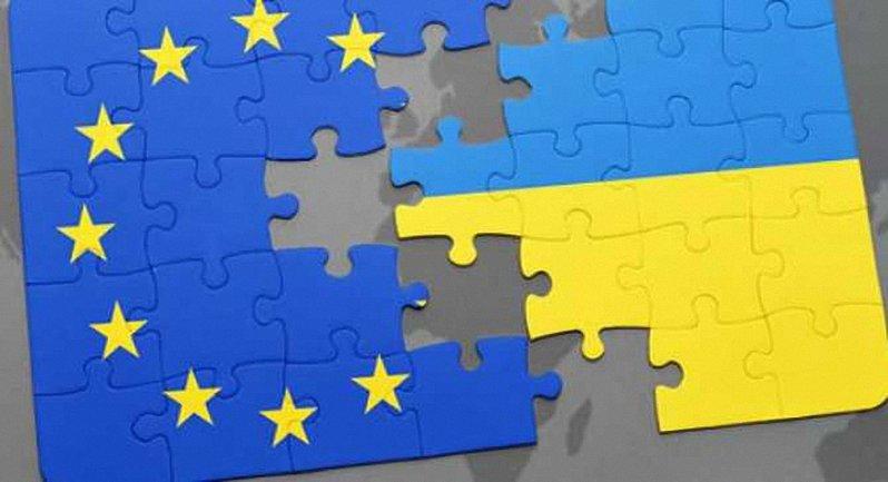 Еще как минимум два ведомства будут принимать решение об отмене виз для украинцев - фото 1