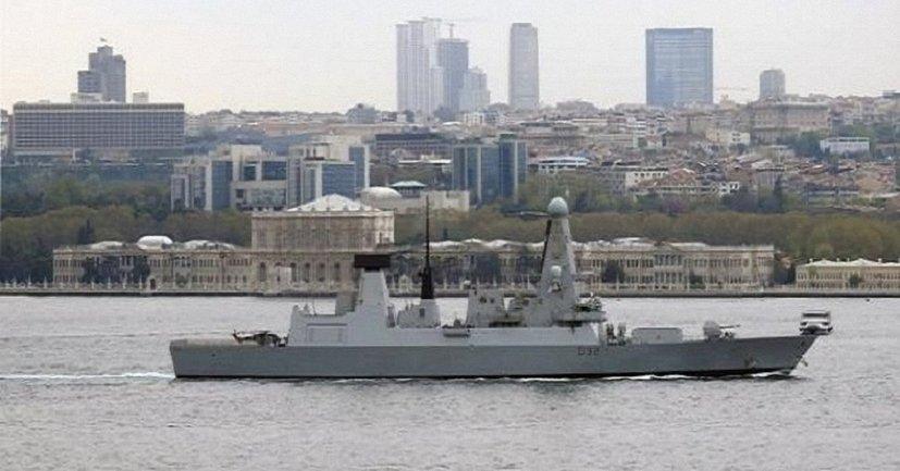 Крупнейший миноносец британских ВМС вошел в воды Черного моря - фото 1
