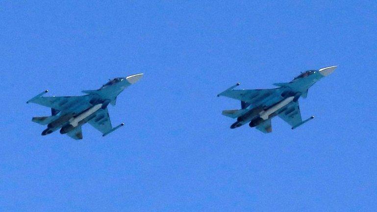 Перехват осуществители два американских истребителя - фото 1
