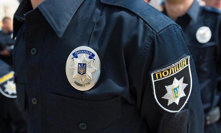 Правоохранители не учли, что их записывала еще и камера слежения - фото 1
