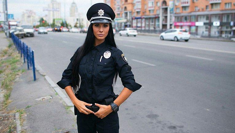 Мені по закону дали лейтенанта: найсексуальніша поліцейська Мілевич дала велике інтерв'ю - фото 1