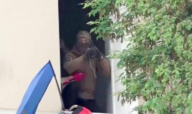 Мужчину с гранатометом заметила полиция - фото 1