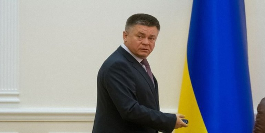 Экс-министр сбежал в 2014, не дожидаясь официальной отставки - фото 1
