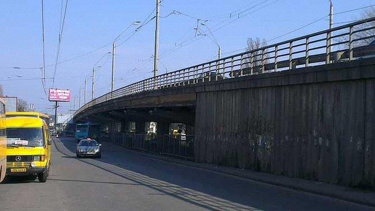 """Мост у метро """"Нивки"""" намерены реконструировать - фото 1"""