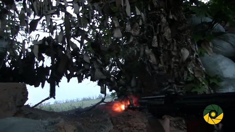 ВСУ отвечают на обстрелы боевиков - фото 1