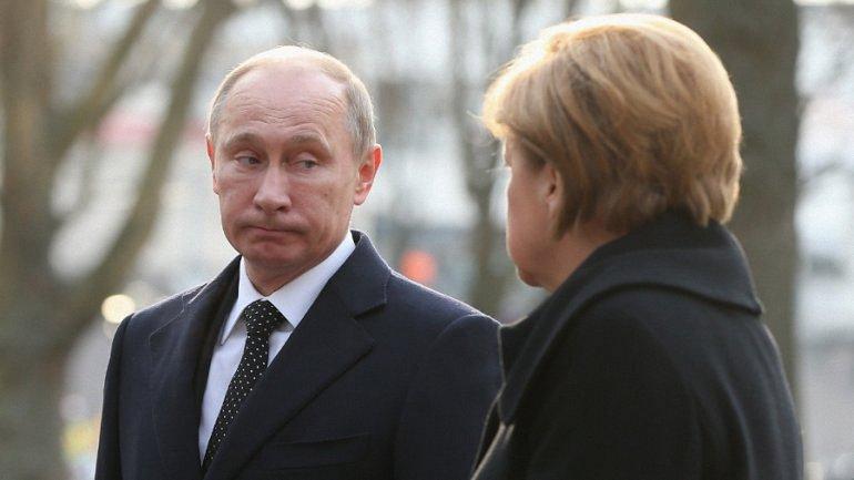 Меркель подчеркнула, что Украина скорее должна получить контроль над границей - фото 1