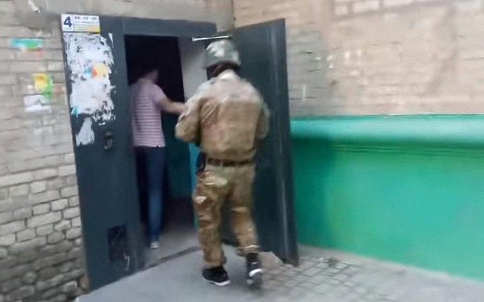 Сотрудники СБУ проводят сразу 13 обысков - фото 1