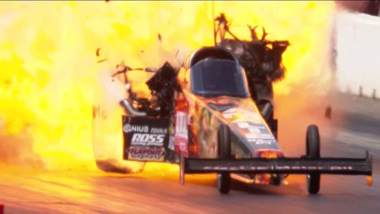 Автомобиль взорвался на ходу  - фото 1