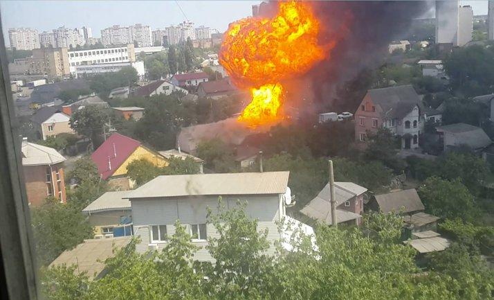 Огонь полностью уничтожил дом - фото 1