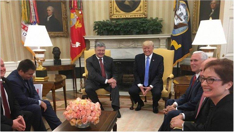 После встреч Порошенко выйдет к прессе  - фото 1