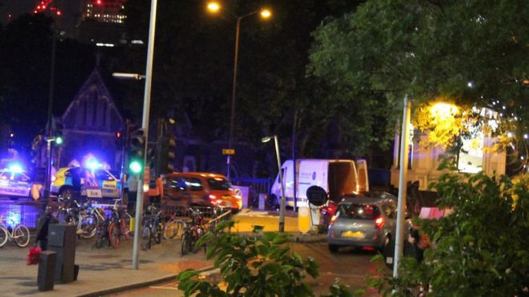 Около 4 часов утра прогремело несколько взрывов - фото 1