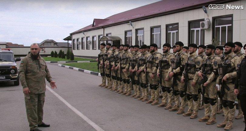 Аюб Катаев и его бойцы - фото 1