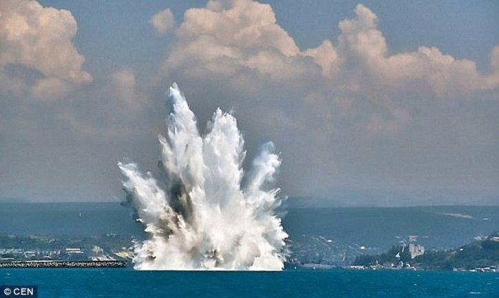 В Севастополе взорвали бомбу - фото 1