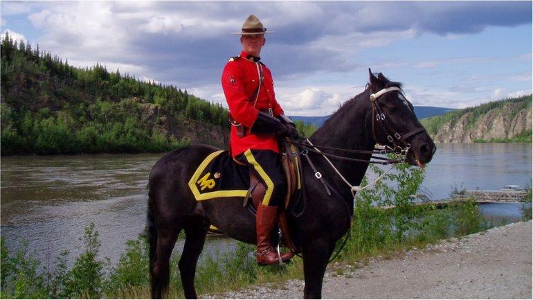 Що робитиме королівська канадська кінна поліція на Хрещатику - фото 1