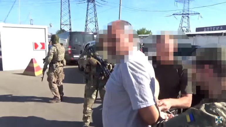"""Мужчину задержали на КПП """"Майорское"""" - фото 1"""