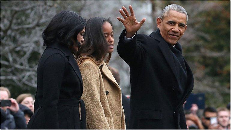 Барак Обама с женой и дочкой - фото 1