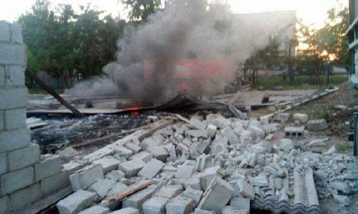 Боевики обстреляли поселок - фото 1