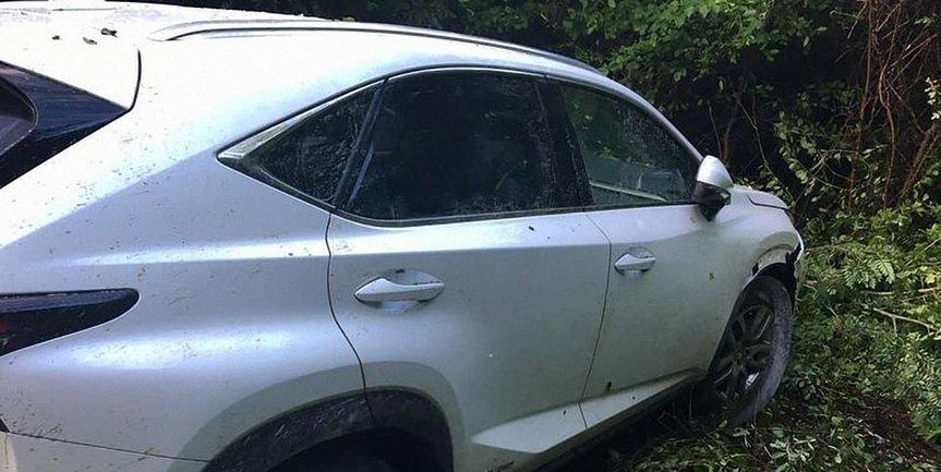 На границе Lexus травмировал пограничника - фото 1