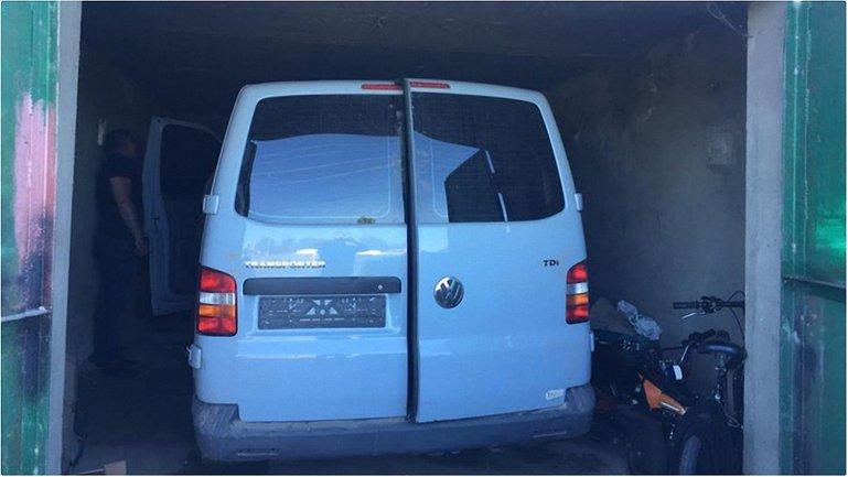 В гараже нашли ворованые машины - фото 1