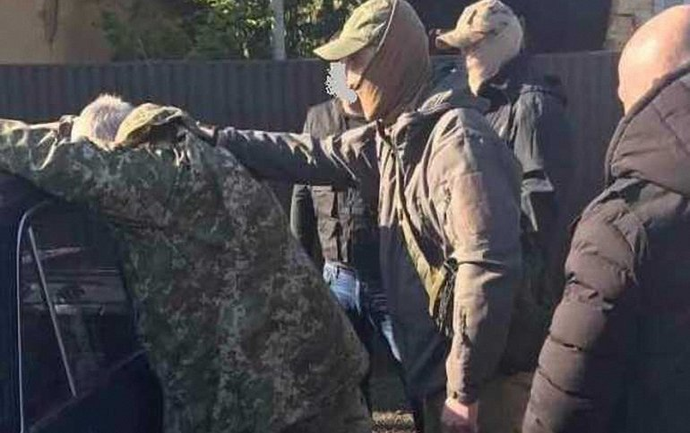 Задержанного за взятку майора-военкома отпустили - фото 1