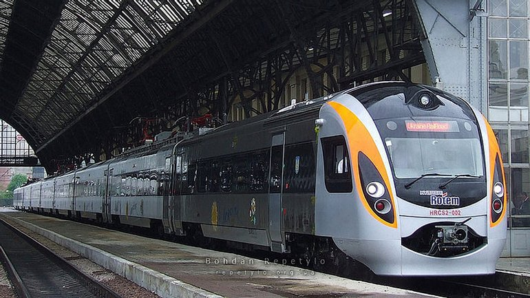 Вскоре можно будет купить билеты на поезд Киев-Пшемышль в интернете - фото 1