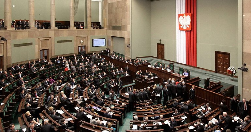 Закон позволит министру юстиции назначать судей - фото 1