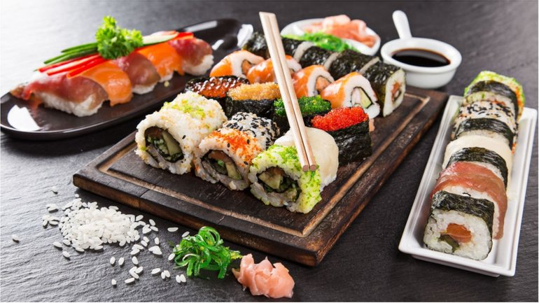 Суши летом - пища для тех, кто любит риск - фото 1