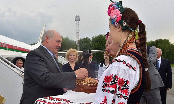 Президент Беларуси прилетел в Киев - фото 1