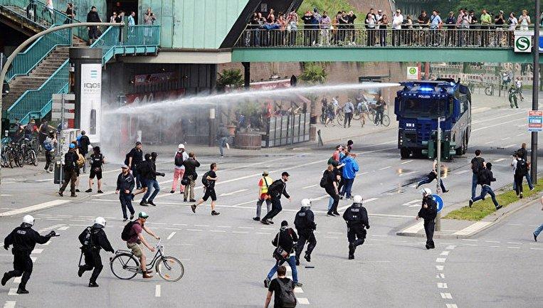 Протесты в Гамбурге  - фото 1