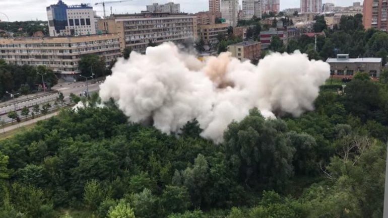 Дом в Харькове снесли взрывом меньше, чем за минуту - фото 1