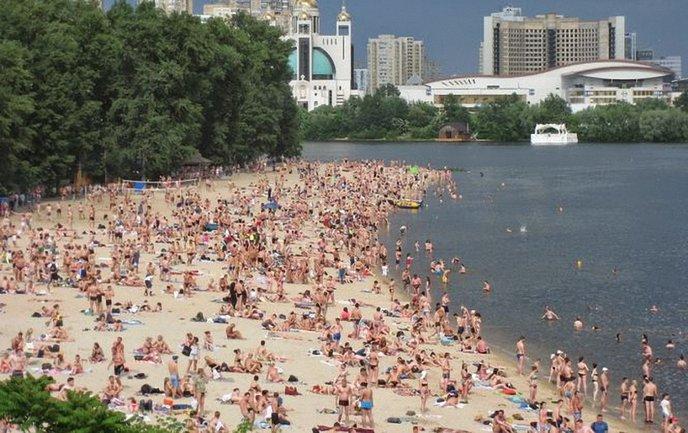 В Киеве запретили купаться на всех пляжах города - фото 1