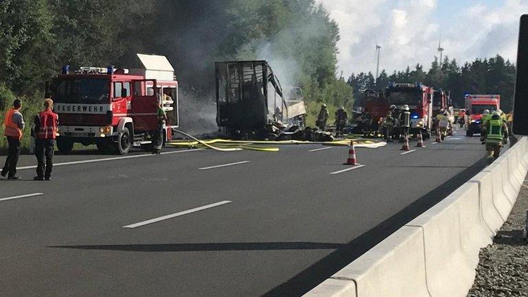 Автобус сгорел - фото 1