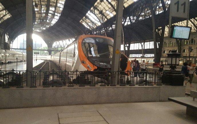Машинист поезда среди пострадавших - фото 1