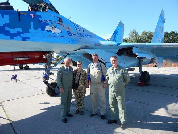Украинские летчики поразили своим выступлением - фото 1