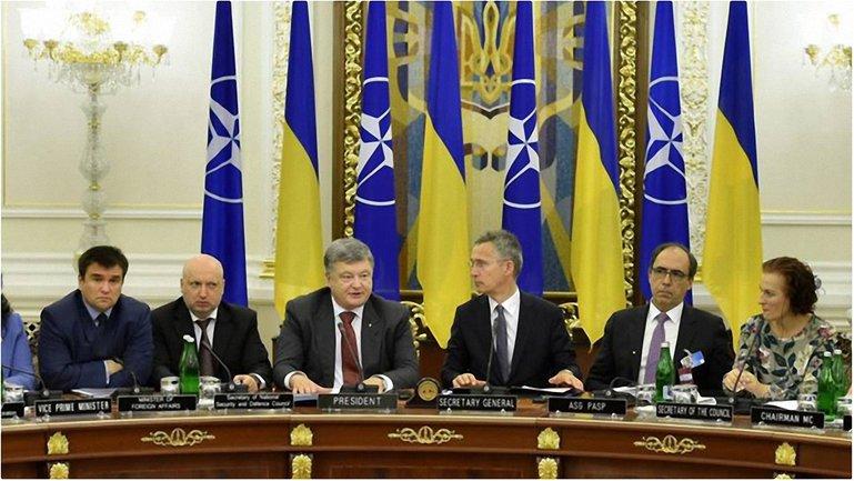 Встреча Порошенко и Столтенберга в Киеве - фото 1