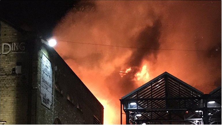 Пожар в центре Лондона - фото 1