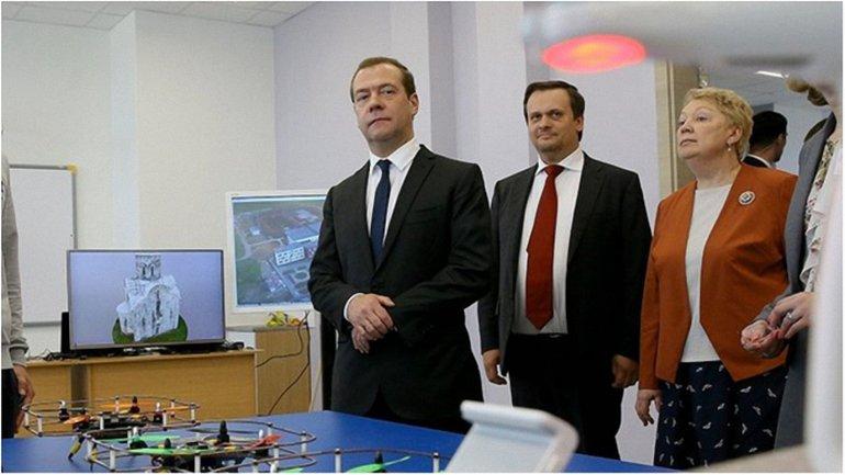 Медведеву показали наработки россиян - фото 1