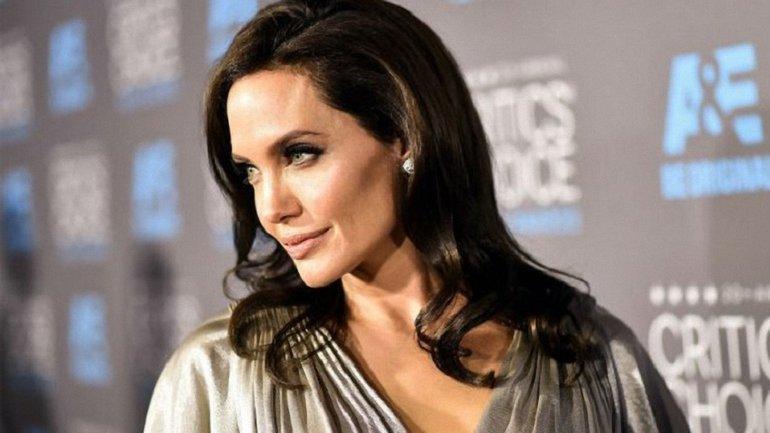 """Первый трейлер фильма Анджелины Джоли """"Сначалаони убили моего отца"""" появился в сети - фото 1"""