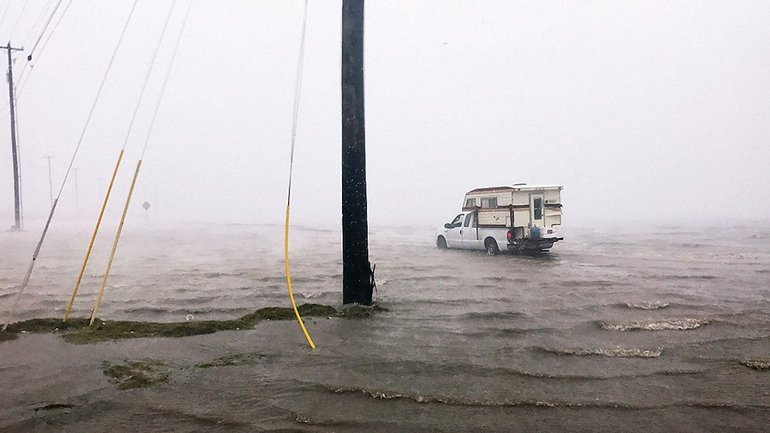 Ураган Харви бушует в США - фото 1