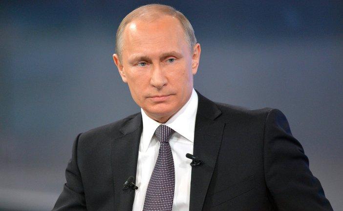 Путин посетил крымскую церковь, социальные сети отреагировали мгновенно - фото 1