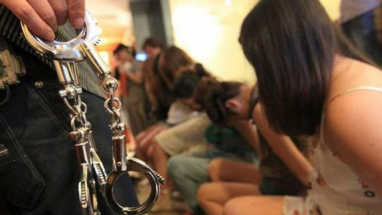 Полицейские спасли трех девушек от рабства в России - фото 1