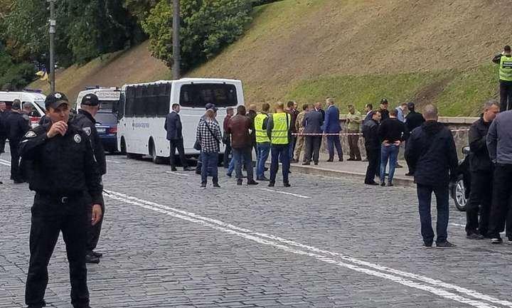 Правоохранители ищут террористов, устроивших взрыв в Киеве - фото 1