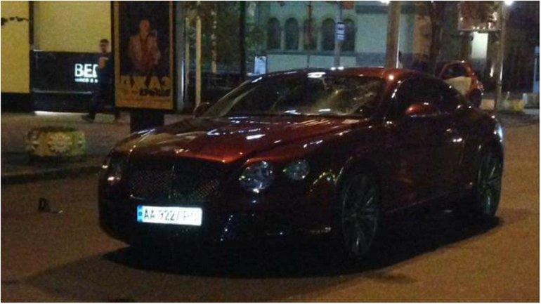 Bentley, за кермом якого був Нестор Шуфрич-молодший, спричинив ДТП - фото 1