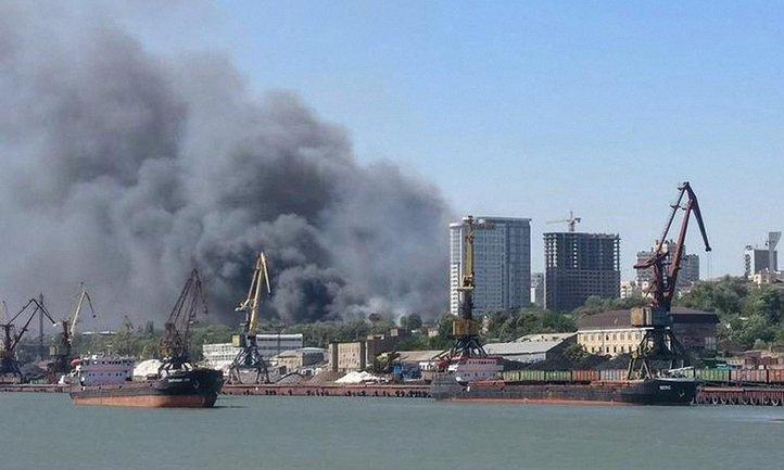В Ростове-на-Дону горит жилой квартал - фото 1