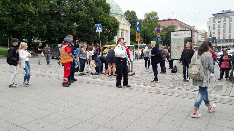 В Финляндии неизвестный напал с ножом - фото 1