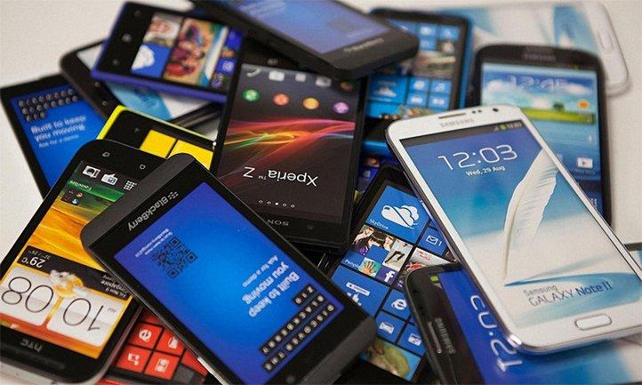 В последнем квартале 2017 года Samsung продала 32% смартфонов, Huawei — 12%, Apple — 11% - фото 1